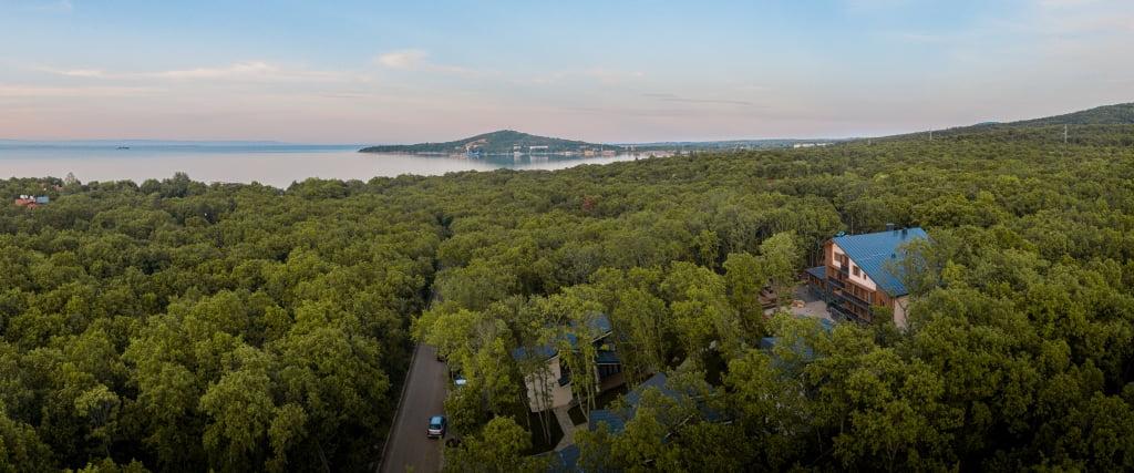 59609211522 1591 Hotel Weekly #4: Представяме ви Utopia Forest, Бургас