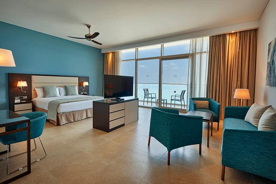 ezgif.com gif maker Собственикът на RIU Hotels: Половината от хотелите ни са вече отворени, проектите вървят по план