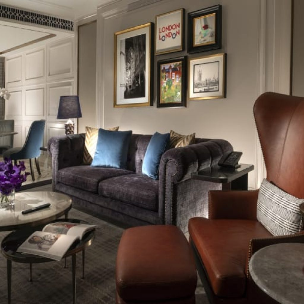 http cdn.cnn .com cnnnext dam assets 201224164127 windsor suite living room Топ 5 на най-големите хотелски комплекси в света по брой стаи
