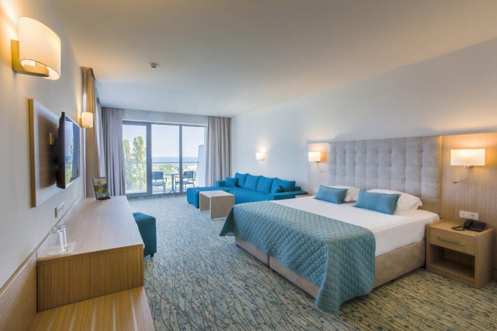 ast 19 062 superior double room Hotel Weekly #5: Представяме ви RIU Astoria, Златни Пясъци