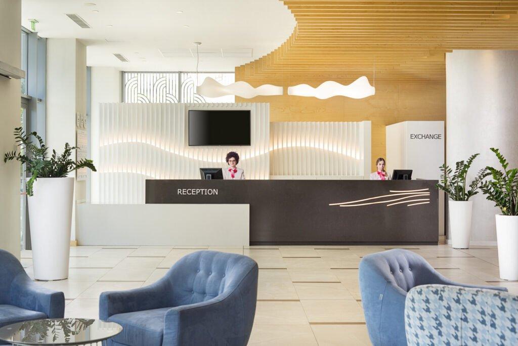 ast 20 090 reception Hotel Weekly #5: Представяме ви RIU Astoria, Златни Пясъци