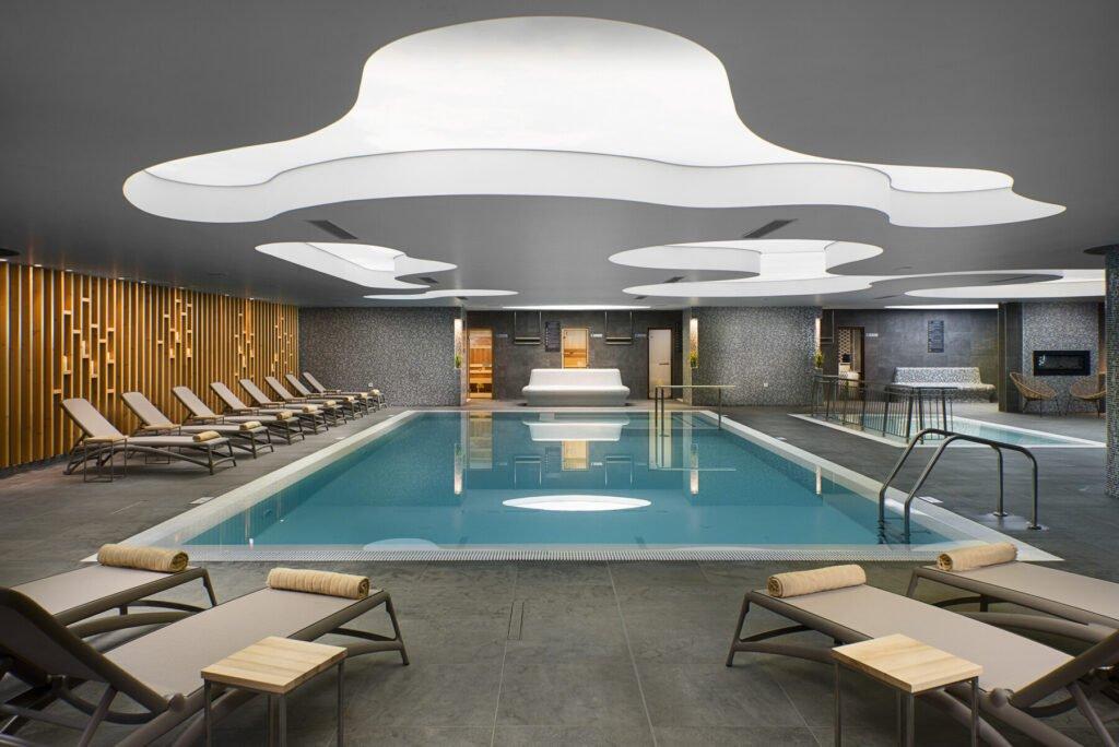 ast 20 102 indoor pool Hotel Weekly #5: Представяме ви RIU Astoria, Златни Пясъци
