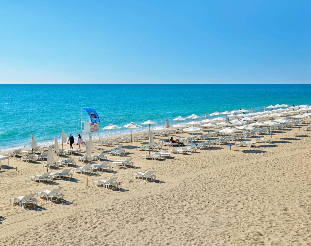 rsz hotel beach 1 Hotel Weekly #7: Представяме ви Meliá Grand Hermitage, Златни пясъци