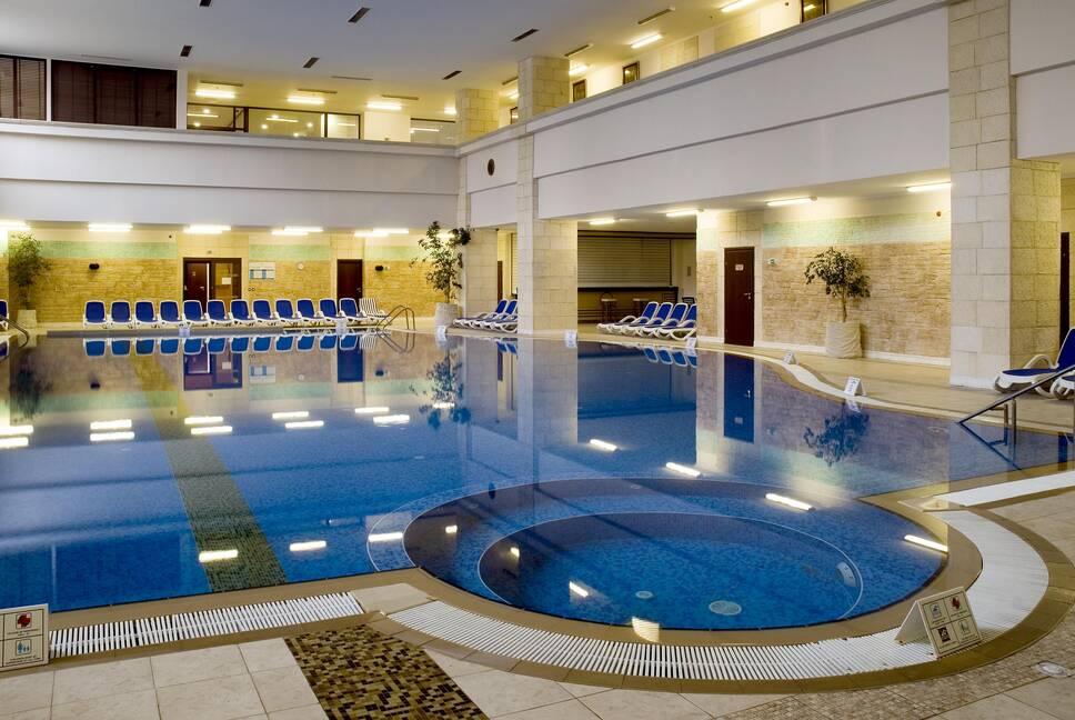 rsz melia grand hermitage spa center indoor pool Hotel Weekly #7: Представяме ви Meliá Grand Hermitage, Златни пясъци