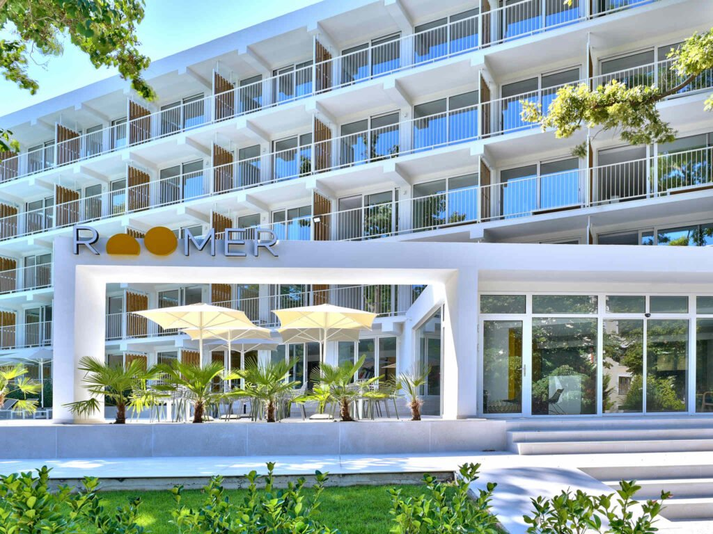b8e7 ho 01 p 2048x1536 За първи път в България: Хотел от бранда Ibis Styles отваря врати в Златни пясъци