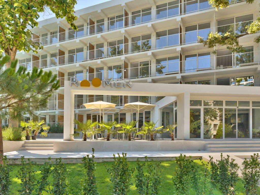 b8e7 ho 03 p 2048x1536 За първи път в България: Хотел от бранда Ibis Styles отваря врати в Златни пясъци