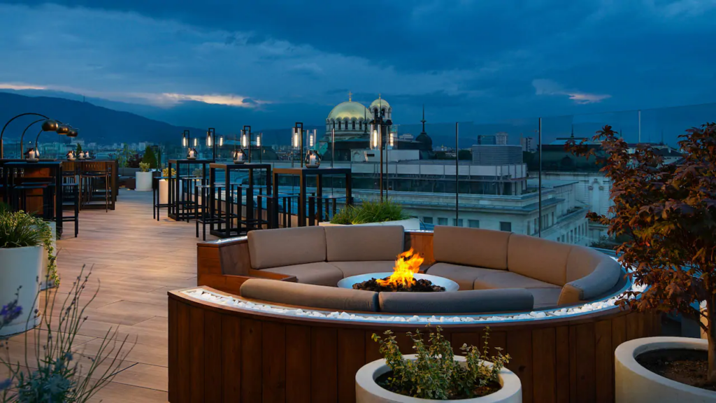 """ezgif.com gif maker 4 Български хотел номиниран в категория """"Водещ нов хотел в Европа 2021"""""""