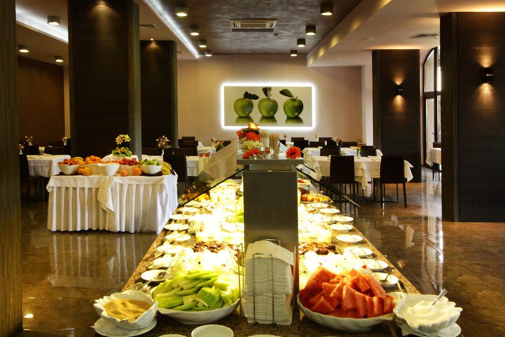 main restaurant 7 Hotel Weekly #9: Представяме ви lti Dolce Vita Sunshine Resort, Златни пясъци