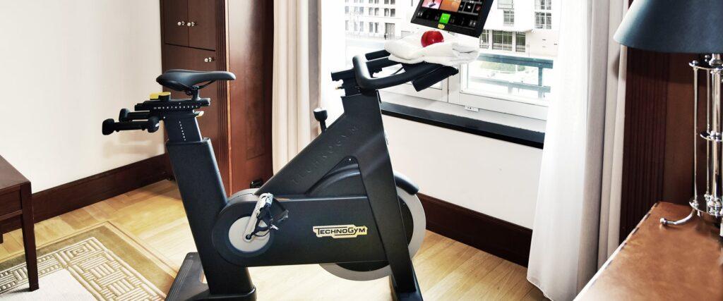 technogym bike 1s Нова категория стаи в хотели Kempinski предлага комбинация от фитнес и почивка
