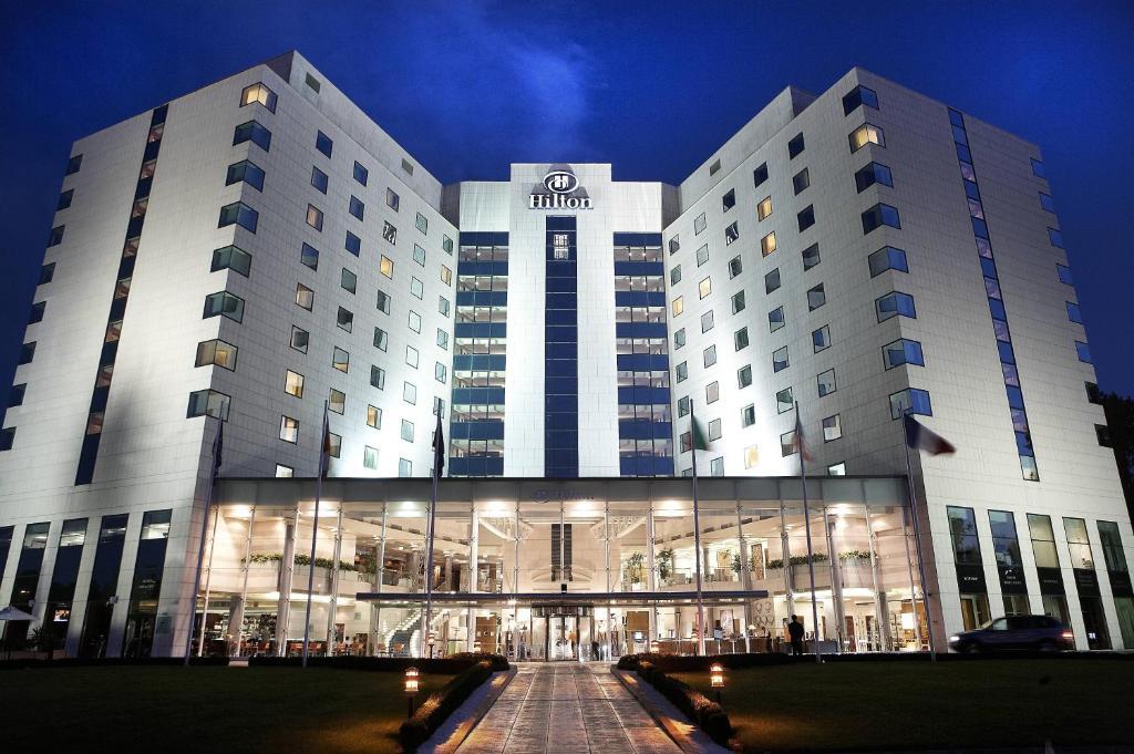 14885896 Емблематичният Hilton Sofia стартира мащабен проект за цялостна реновация