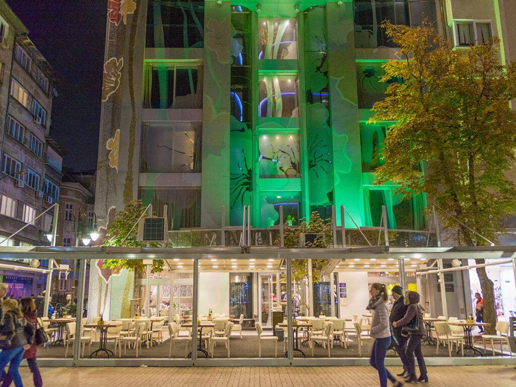 restaurant les fleurs hotel sofia 7 World Travel Awards 2021: Номинираните български хотели #1